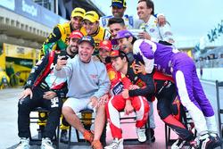 Foto dos ex-pilotos de F1 na Corrida de Duplas