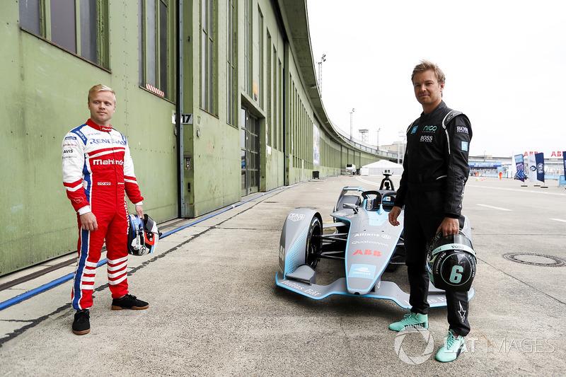 Felix Rosenqvist, Mahindra Racing, bersama Kampiun Formula 1, Nico Rosberg, di depan Sirkuit Templehof