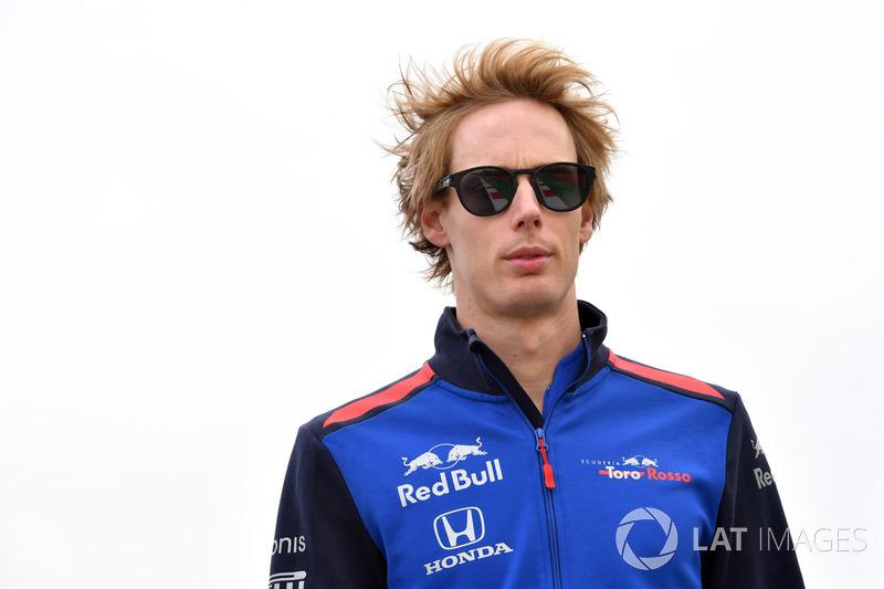 Brendon Hartley, Scuderia Toro Rosso camina por la pista
