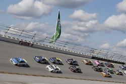 Ryan Blaney, Wood Brothers Racing Ford, führt