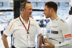 Jonathan Neale, Managing Director, McLaren, with Stoffel Vandoorne, McLaren