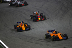 Fernando Alonso, McLaren MCL33 Renault, Stoffel Vandoorne, McLaren MCL33 Renault, Max Verstappen, Red Bull Racing RB14 Tag Heuer, and Romain Grosjean, Haas F1 Team VF-18 Ferrari