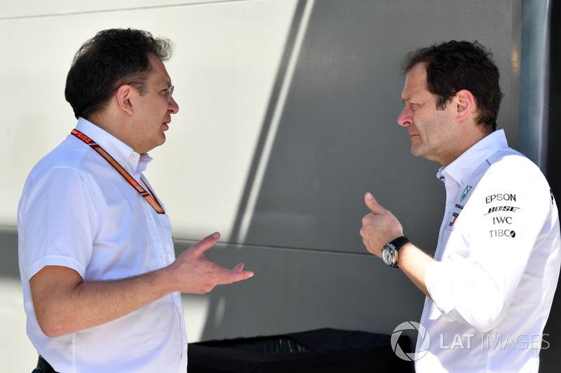 نيكولاس تومبازيس وألدو كوستا، مُدير الهندسة بفريق مرسيدس