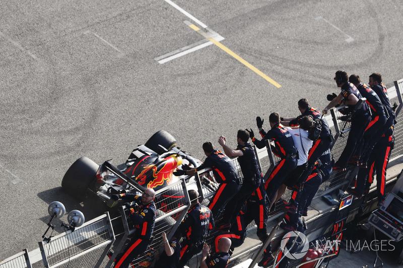 Juara GP Tiongkok Daniel Ricciardo, Red Bull Racing RB14 Tag Heuer