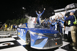 Martin Truex Jr., Furniture Row Racing Toyota celebration