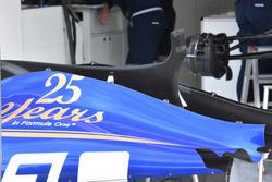 Sauber C36, engine cover
