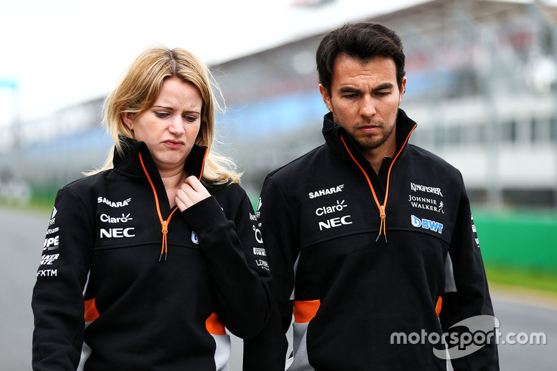 Trackwalk: Sergio Perez, Sahara Force India F1 Team, mit Ingenieurin Bernadette Collins