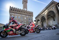 Sam Lowes, Aprilia Racing Team Gresini; Danilo Petrucci, Pramac Racing