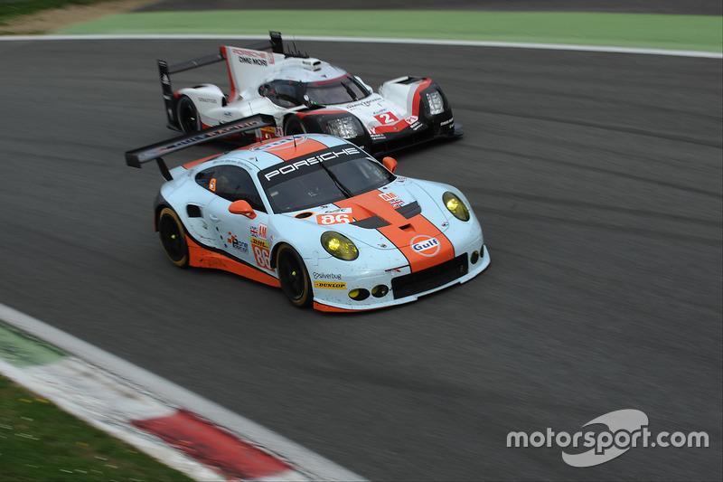 #86 Gulf Racing Porsche 911 RSR: Michael Wainwright, Ben Barker, Nick Foster, #2 Porsche Team Porsch