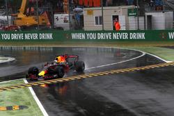Daniel Ricciardo, Red Bull Racing RB13 gaat wijd