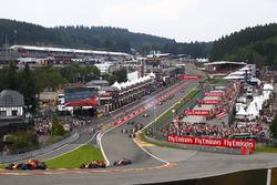 Max Verstappen, Red Bull Racing RB13, Daniel Ricciardo, Red Bull Racing RB13, Fernando Alonso, McLaren MCL32, Nico Hulkenberg, Renault Sport F1 Team RS17, Esteban Ocon, Sahara Force India F1 VJM10, Sergio Perez, Sahara Force India F1 VJM10. Kevin Magnussen