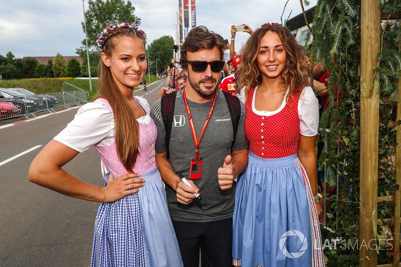 Фернандо Алонсо, McLaren та дівчата