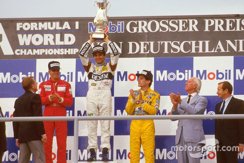 Podio: ganador de la carrera Nelson Piquet, Williams, segundo lugar Stefan Johansson, McLaren, tercer lugar Ayrton Senna, Team Lotus