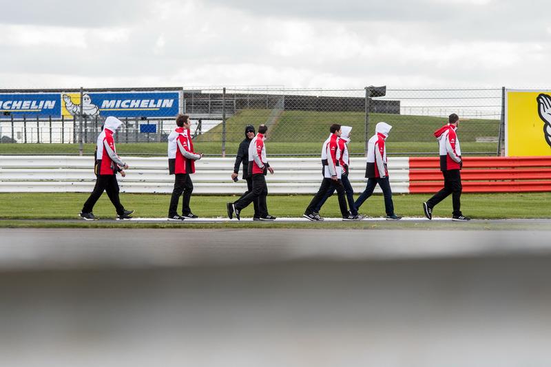 Trackwalk: #1 Porsche Team, Porsche 919 Hybrid: Neel Jani, Andre Lotterer, Nick Tandy