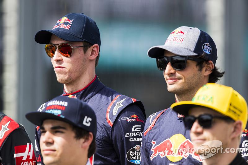 Daniil Kvyat, Scuderia Toro Rosso; Carlos Sainz Jr., Scuderia Toro Rosso