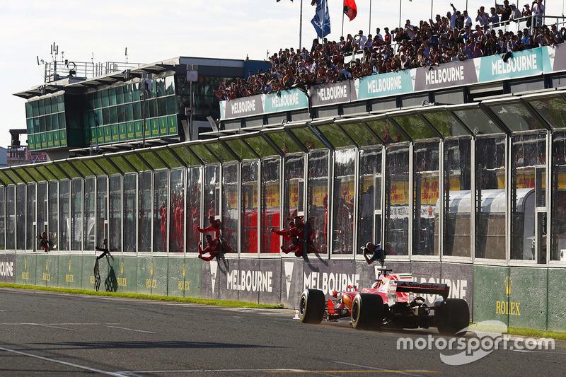 Sebastian Vettel, Ferrari SF70H se lleva la victoria