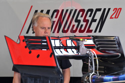 Gene Haas, Founder and Chairman, Haas F1 Team looks at Haas VF-17 rear wing