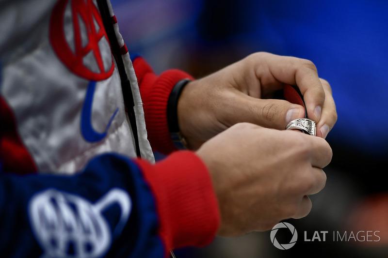 Indy-500-Siegerring von Helio Castroneves, Team Penske Chevrolet