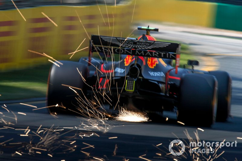 Pierre Gasly, Red Bull Racing RB15, fa scintille