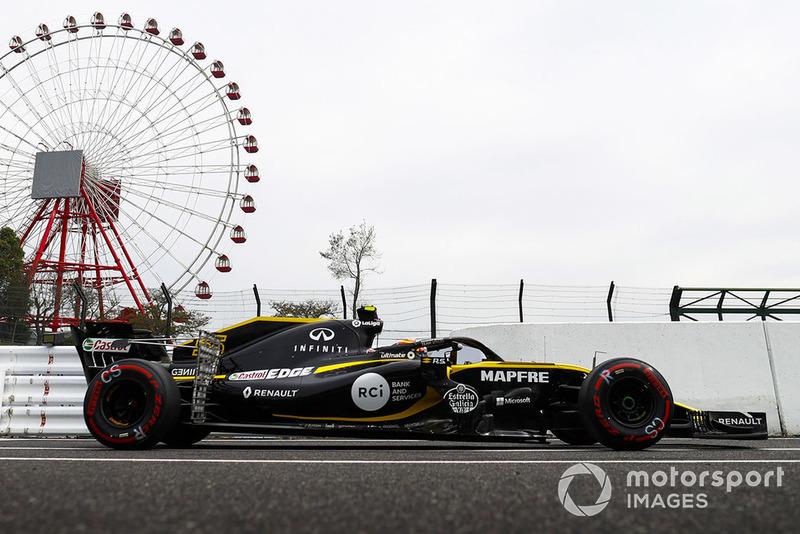 Carlos Sainz Jr., Renault Sport F1 Team R.S. 18, con equipo de pruebas