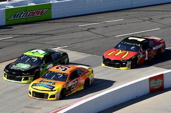 Chris Buescher, JTG Daugherty Racing, Chevrolet Camaro Bush's Chili Beans, Hermie Sadler, Premium Motorsports, Chevrolet Camaro Virginia Lottery, Jamie McMurray, Chip Ganassi Racing, Chevrolet Camaro McDonald's