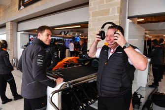 Stoffel Vandoorne, McLaren and Zak Brown, McLaren Racing CEO