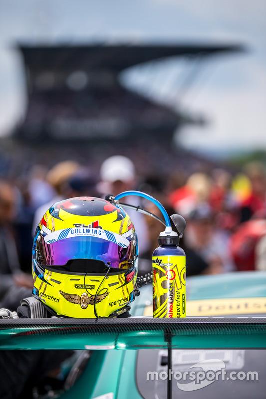 Helmet of Indy Dontje