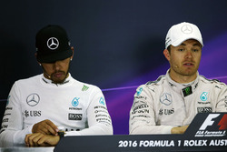 Lewis Hamilton, Mercedes AMG F1 Team and Nico Rosberg, Mercedes AMG F1 in the press conference