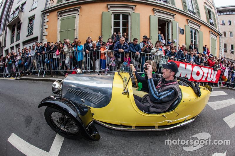 3 tekerlekli otomobiller gösteri sürüşü