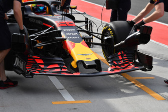 Jake Dennis, Red Bull Racing RB14 nose and front wing