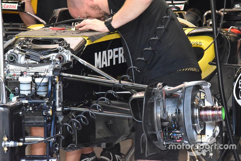 Renault Sport F1 Team R.S. 18, dettaglio del freno anteriore