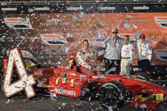 ChampCar-Champion 2007: Sebastien Bourdais, Newman Haas Lanigan Racing, Panoz DP01 Cosworth, mit Mike Lanigan, Carl Haas und Paul Newman