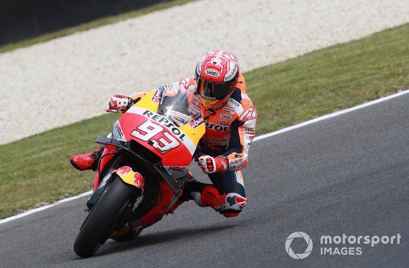 Marquez almost crashing