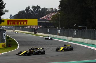 Carlos Sainz Jr., Renault Sport F1 Team R.S. 18, leads Nico Hulkenberg, Renault Sport F1 Team R.S. 18, and Charles Leclerc, Sauber C37