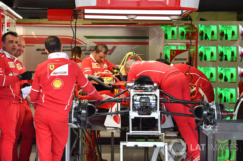 Ferrari SF70-H in the garage