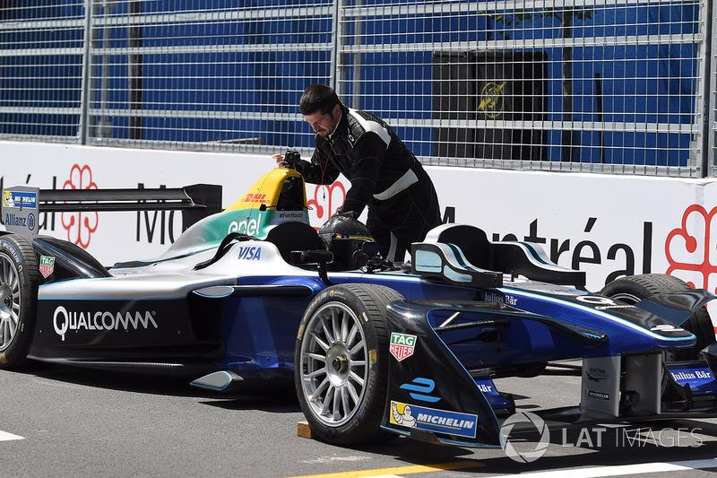 Patrick Carpentier mit Formel-E-Auto