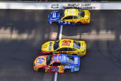 Matt Kenseth, Joe Gibbs Racing Toyota, Joey Logano, Team Penske Ford, Landon Cassill, Front Row Motorsports Ford