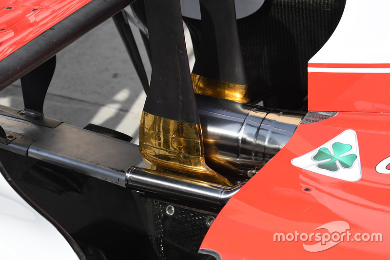 Ferrari SF70H exhaust