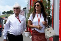 Bernie Ecclestone y su esposa