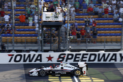 Helio Castroneves, Team Penske Chevrolet takes the checkered flag