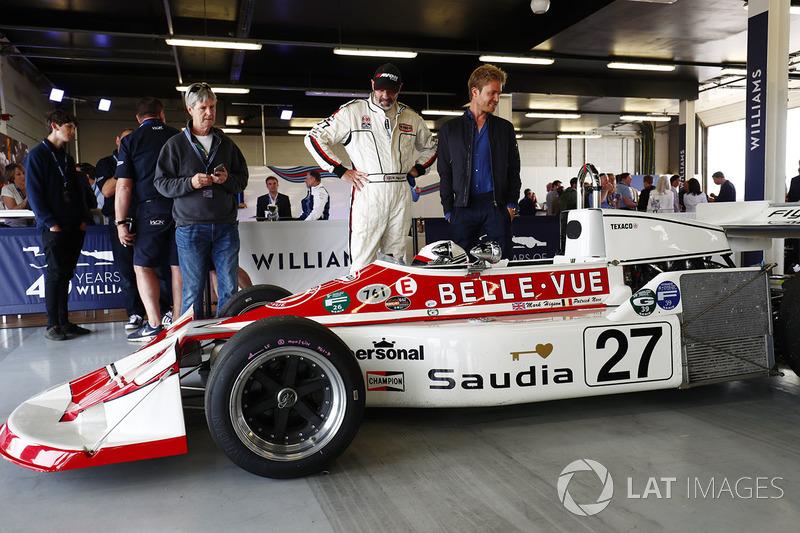 Nico Rosberg, ve Patrick Neve'nin 1977 March 761'i