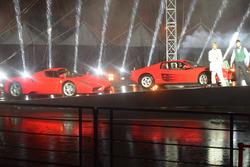Ferrari Enzo e Ferrari Testarossa durante lo spettacolo fatto per i 70 anni della Ferrari