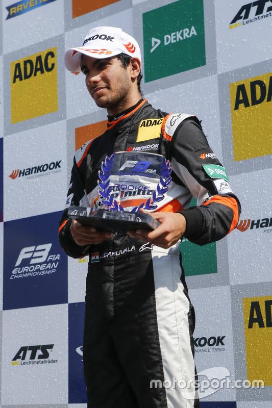 Rookie Podium: third place Jehan Daruvala, Carlin, Dallara F317 - Volkswagen
