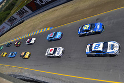 Brad Keselowski, Team Penske Ford, Jimmie Johnson, Hendrick Motorsports Chevrolet
