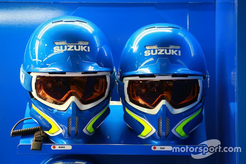 Mechanikerhelme: Team Suzuki MotoGP