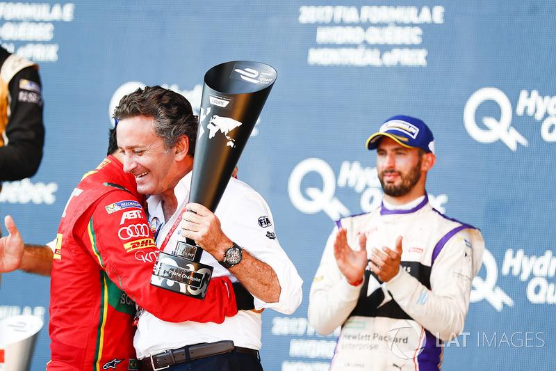 Lucas di Grassi, ABT Schaeffler Audi Sport, celebra en el podio con Alejandro Agag, CEO de la Fórmula E