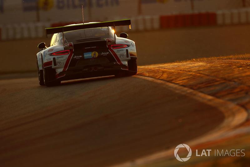 10. #59 Manthey Racing, Porsche 911 GT3 R