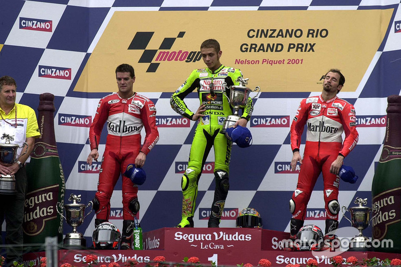 Podium: 1. Valentino Rossi, Honda; 2. Carlos Checa, Yamaha; 3. Max Biaggi, Yamaha
