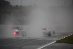 Сильний дощ на трасі