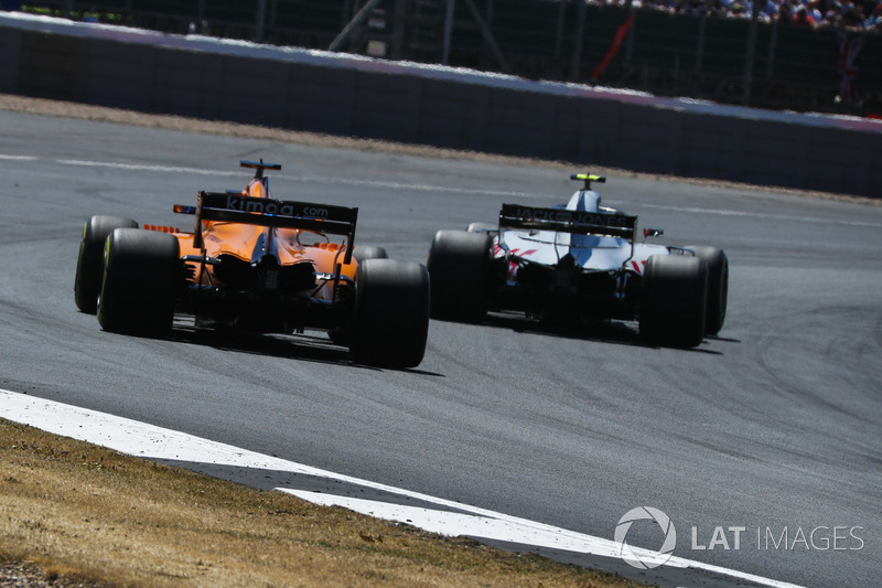 Alonso wasn't too pleased with Magnussen's defensive skills